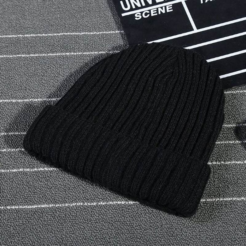 1 Pcs 2017 Korean Autumn Winter Warm Add Cotton Flanging Adult Hats For Women And Men Brand Skullies Branies Caps 5 Colors 8605