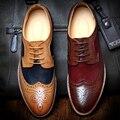 Britânico Esculpida Bullock Sapatos Oxfords dos homens 2016 Primavera Outono Sapatos Casuais Sapatos Da Moda Retro Apontado Toe Brogue Sapatos Para Homens