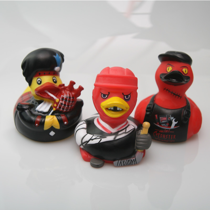 Rubber New Style Spoof Duck Red Hockey Rhubarb Duck Black Hat Toy Duck Children Toy Gift Duck