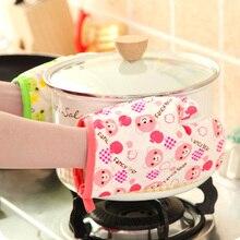 Cartoon Cotton Oven Glove Heatproof Microwave Mitten Kitchen Cooking Thickened Gloves Microondas Insulated Non-slip