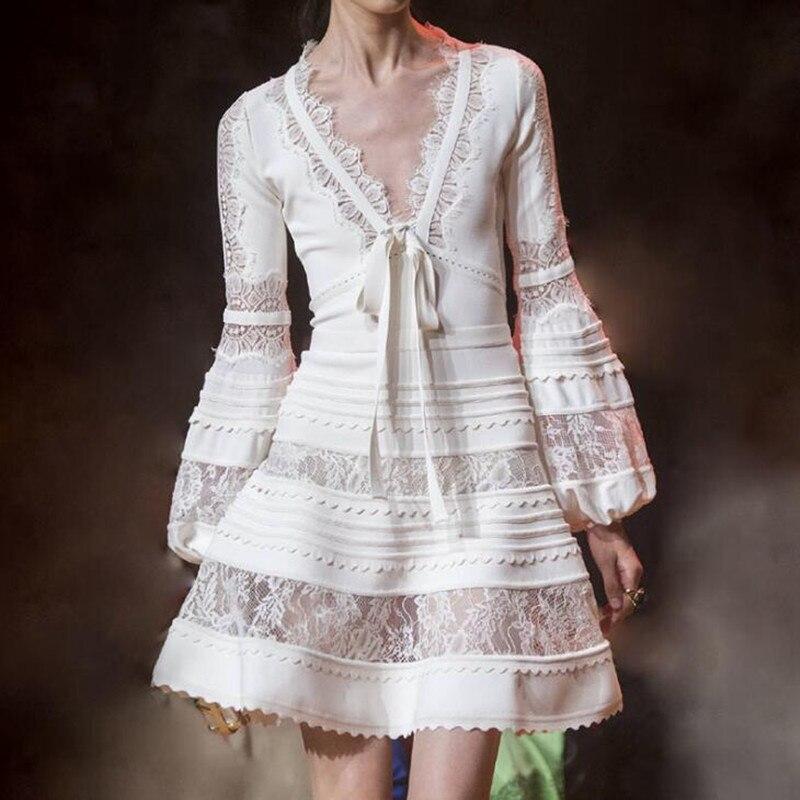 Robe de piste femmes de luxe Designer 2019 haute qualité dentelle mince Sexy profonde col en V arc voir à travers Mini robe dames robe de soirée