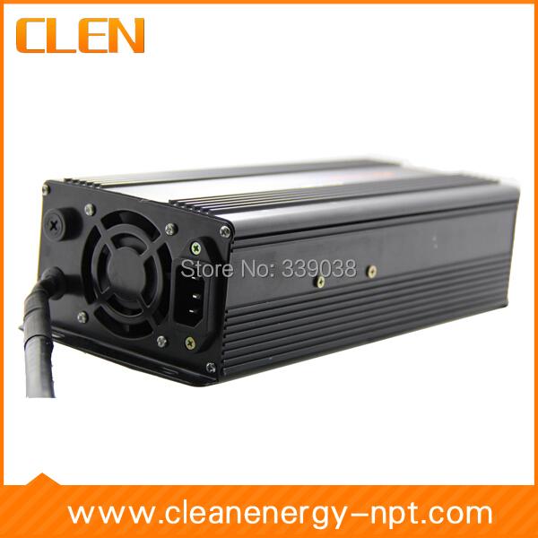 24 V Carregador de Bateria de Carro E moto-Bateria 7A Auto Comutável Carregador 7-fase Negativa De Pulso Desulfator