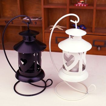 Selling European iron candlestick hollow decoration romantic gift gifts to send his girlfriend boyfriend.