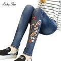 Mulheres Rasgado Calça Jeans Bordados femme Plus Size Do Vintage Feminino 2017 Senhoras Azul Denim Calças Lápis Casual Marca Moda A216