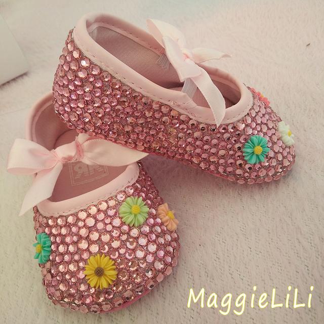 Envío libre flores de Cristal Rhinestone zapatos de bebé zapatos inferiores suaves Bautizo Cumpleaños bling bling diamante Zapatos Del Bebé