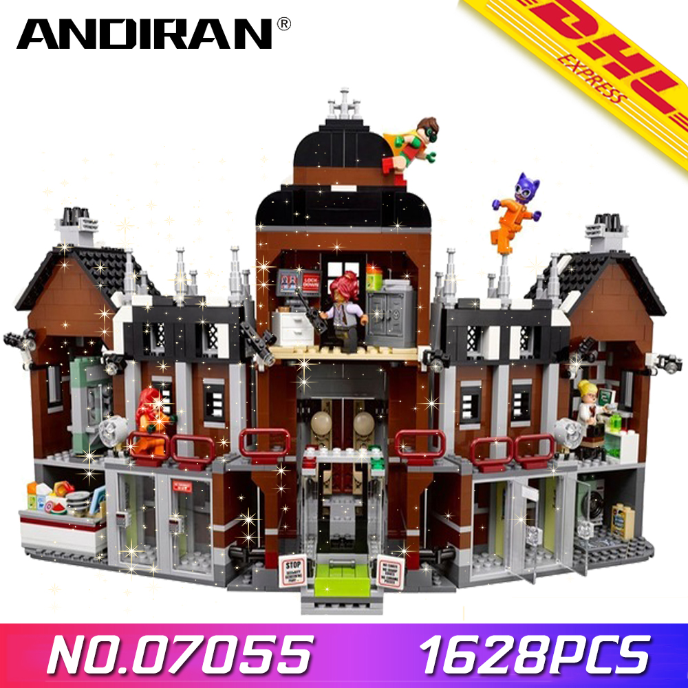 07055 1628Pcs Genuine Batman Movie Series The Arkham`s Lunatic Asylum Set Building Blocks Bricks Toys for Children <font><b>70912</b></font> image