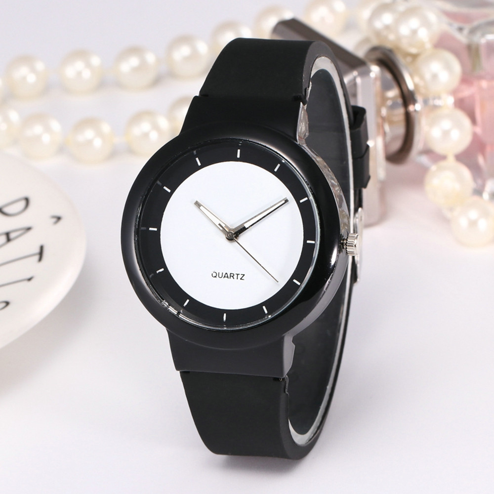 Wristwatch Women Quartz Watch Women Strap Analog Quartz Round Watch Woman Fashion Casual Silicone Geneva Roman Numerals Clock