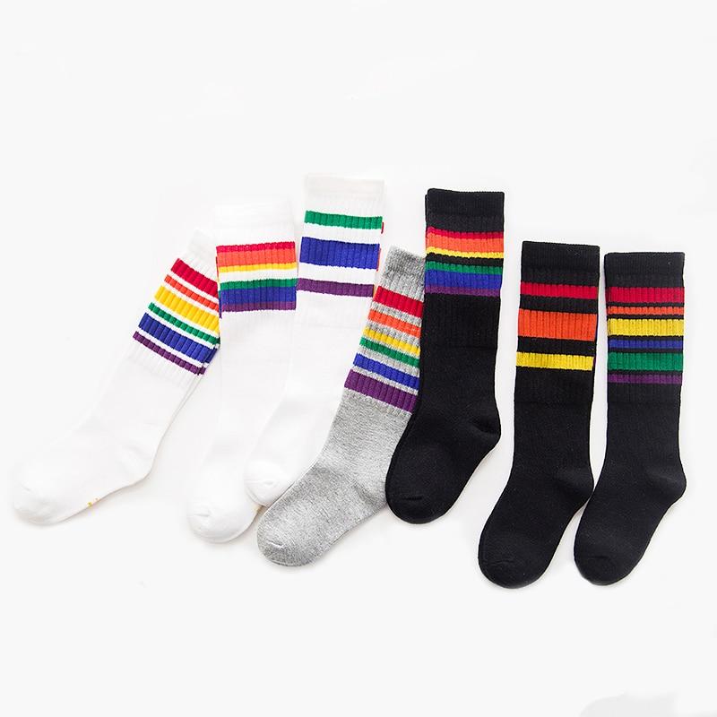 2018 ילדים גרביים גרביים גבוהה מודלים מודלים תינוקות בנות גרביים ארוכים קשת פסים גרביים שפופרת ילדים גרבי קשת C377