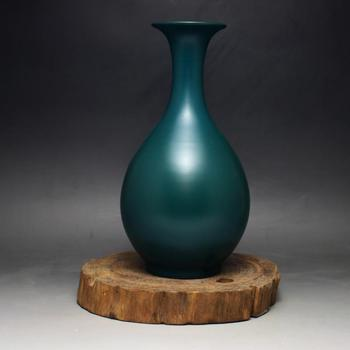 The Qing Dynasty Yong Zheng's annual malachite green vase Jingdezhen antique porcelain used as the old collection matte