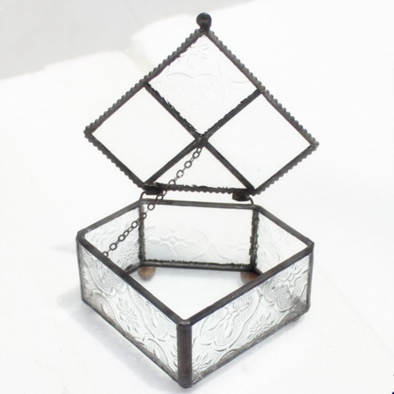 Retro Three-Dimensional Triangular Clamshell Dark Jewelry Box European Geometric Glass Flower Room Storage Wedding Ornaments