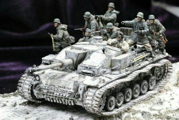Classic 1/35 Resin Kits German Tank Soldier In Attacking 8pcs/set (no Tank)