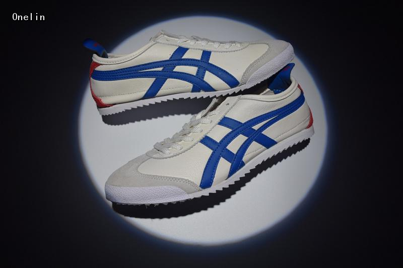 sports shoes 9d7e9 02d64 US $56.68 10% OFF|ONITSUKA TIGER series of 11 Leisure Sneakers Men Balanced  Hard Wearing Badminton Shoes high quality SIZE 40 44-in Badminton Shoes ...