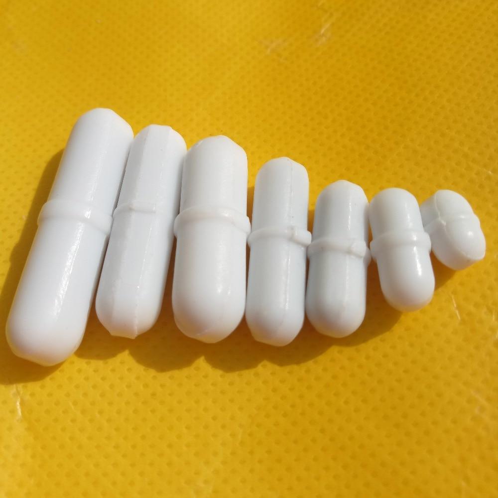 Pakuotėje yra 7 vnt. Mišraus dydžio PTFE magnetinio maišytuvo maišytuvo maišymo strypai Baltos spalvos su pasukamu žiedu