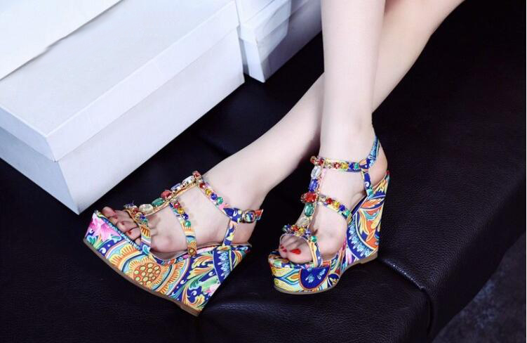 Здесь продается  Bohemian sandals for women high platform wedges shoes colorful flower print decoration T-strap ladies glitter party shoes women   Обувь