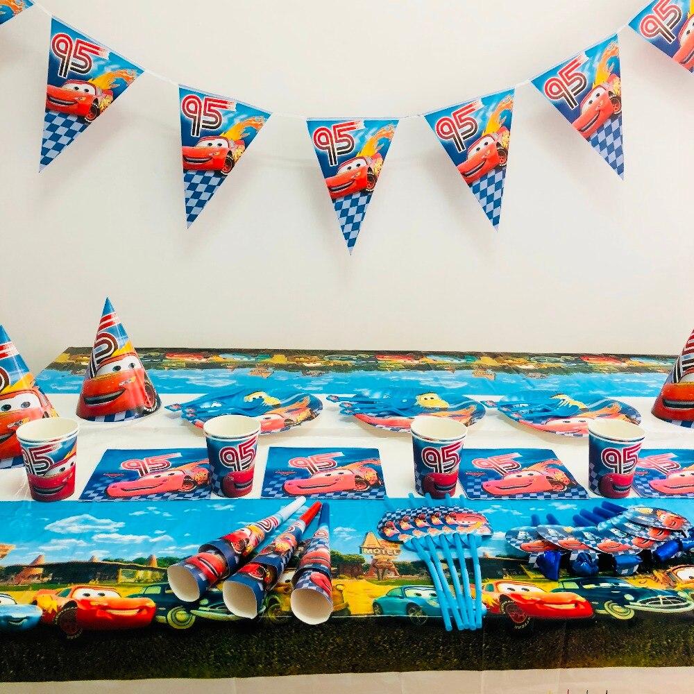 132 pièces/sac 95 voitures drapeaux nappe pailles tasses plaques foudre Mcqueen fête fournitures enfants décoration d'anniversaire faveurs