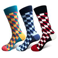 New style men's socks European and American style men's socks leisure lattice tube socks for lovers
