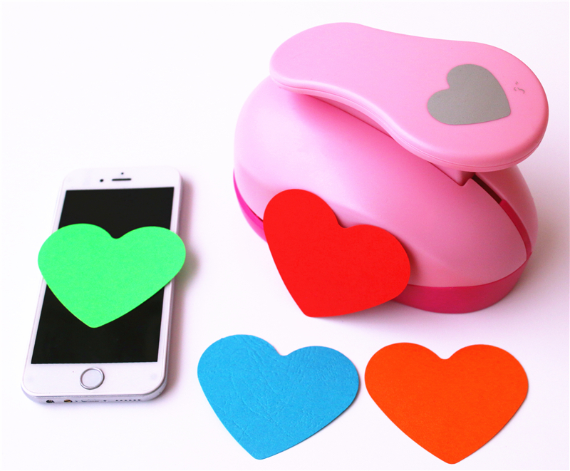 Hot Sale Paper Shaper Cutter Punch For DIY Card Making Scrapbooking Tags Craft Tool Color Random Drop Shipping Heart 7.6cm
