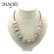 Dandie Hot Sale Handmade Acrylic Bead and Mesh Metal Short Jewelry Necklace