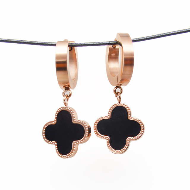 rose gold hoop earrings with clover charm for women one side white shell and one side is black agate