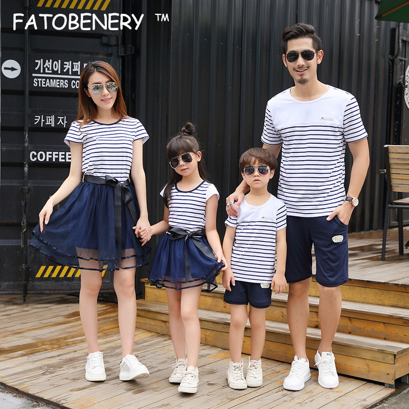 Mother Father Baby Clothes Family Matching Clothes Kids Dresses for Girls Family Look Mother Daughter Matching Dresses
