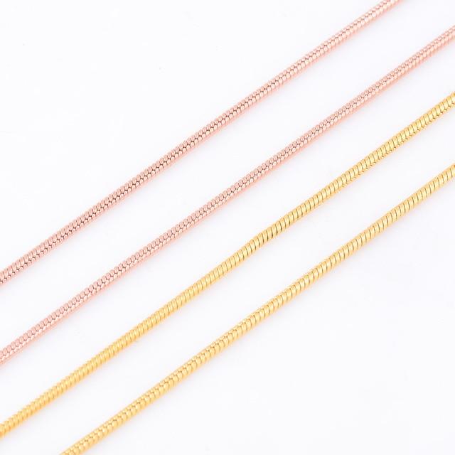 1.5mm Larghezza Uomini E Donne Oro/Oro Rosa Rotonda Del Serpente Collane Acciaio