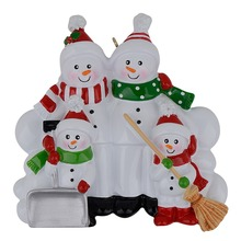 Snowman Family Shovel of 4 Polyresin Christmas Tree Ornaments Personalized Gifts Home Holiday Decoration