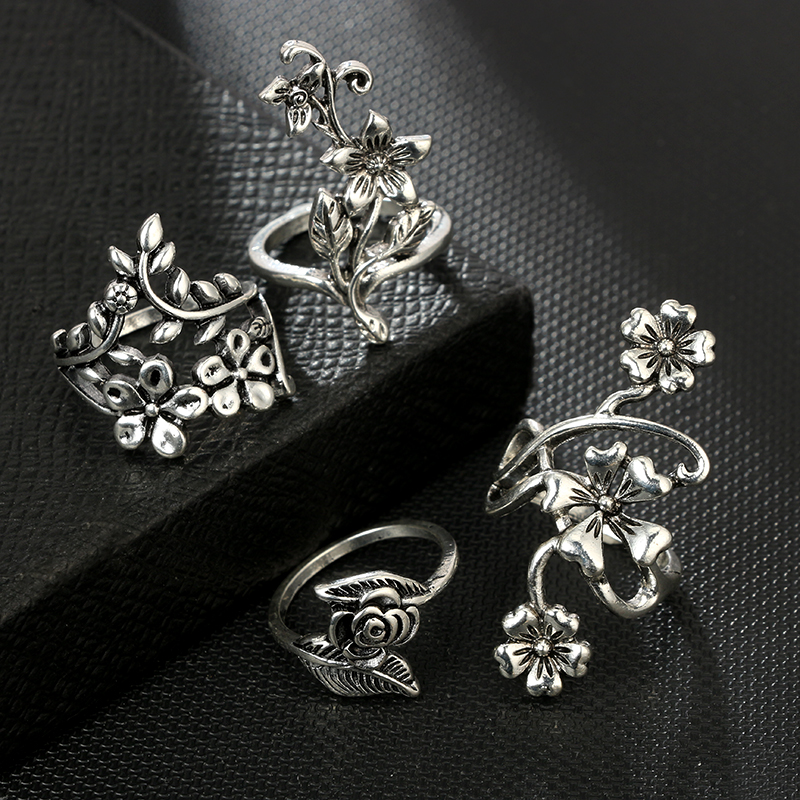 Tocona 4pcs/set Antique Silver Color Vintage Bohemia Ring Set Rose Flower Rings for Women Charm Bohemia Floral Knuckle Ring 6047 1