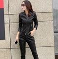 Chaqueta de cuero de las mujeres capa de la manera mujeres corto motocicleta ropa de cuero prendas de vestir exteriores femenina Chaqueta de cuero de las mujeres Z930