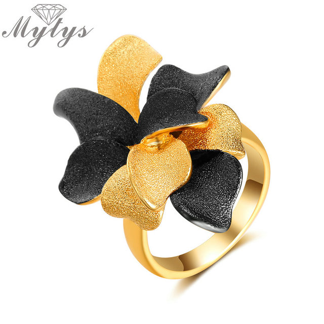Mytys Black and Gold Color Vintage Frosted Metal Flower Ring for Women Fashion S