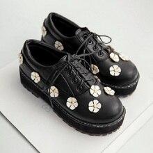 2016ใหม่สตรีดอกไม้ตื้นปากต่ำแบนรองเท้าแฟชั่นสไตล์อังกฤษลูกไม้ขึ้นรองเท้าO Xfordsสำหรับผู้หญิงมาร์ตินรองเท้าหญิง