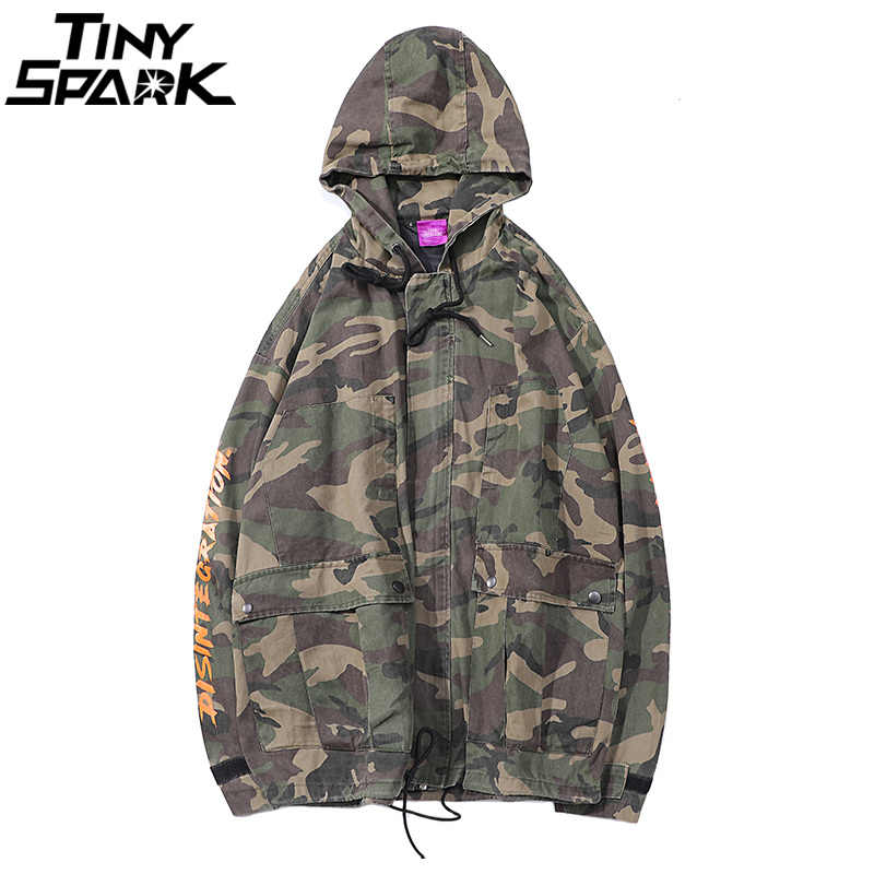 Mens Hip Hop chaqueta con capucha Windbreaker Harajuku Vintage Camo Hoodie  chaquetas abrigo otoño 2018 camuflaje 017f4202baa
