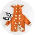 2017 Nueva Otoño Suéter de Las Muchachas de Manga Larga Cute Little Deer Diseño Chaquetas Niñas de Lana Con Cremallera prendas de Vestir Exteriores Caliente Embroman la Capa Encapuchada