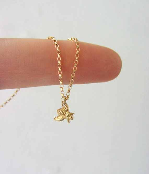 small Honey Bee Bumble Bee Necklace Queen Bee Necklaces Cute Insect Bumblebee Beehive Necklaces Animal insect pendant jewelry