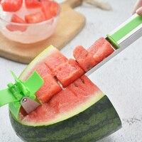 Küche Slicer Edelstahl Wassermelone Cutter Obst Salat Werkzeug Melone Wassermelone Windmühle Slicer Tong Corer Für Sommer-in Schredder und Schneidemaschinen aus Heim und Garten bei