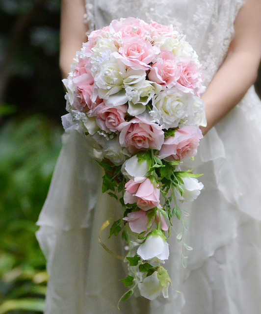 Pink White Vintage Artificial Flowers Waterfall Wedding Bouquets With Bridal Brooch Brides Bouquet De Mariage