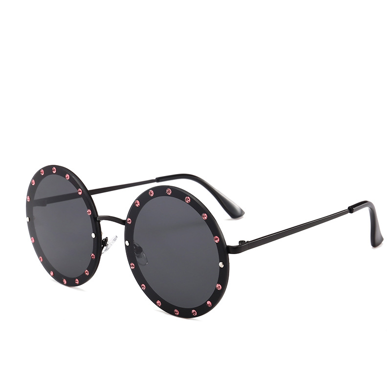 a6ea66aa84 Benesse Eyewear 2018 New Rivet Round Metal diamond Sunglasses Punk Fashion  Women Men Brand Designer Sun glasses Steampunk Shade-in Sunglasses from  Apparel ...