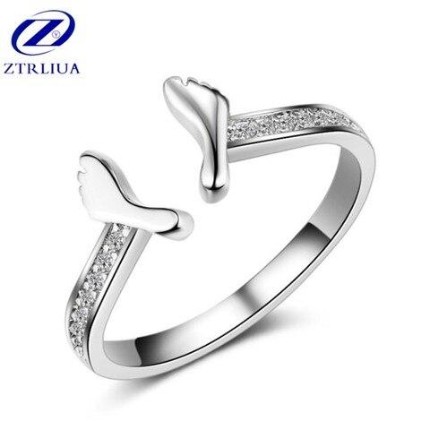 Женское кольцо из серебра 925 пробы с кристаллами