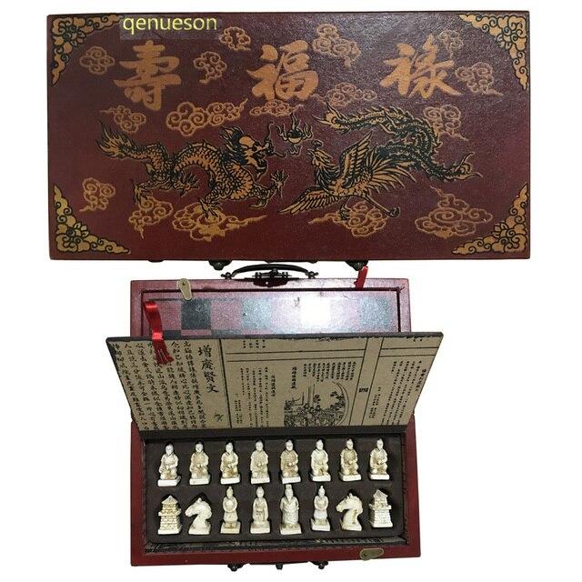 Ensemble d'échec complet pliable avec valise style chinois armée en terre cuite antique 2