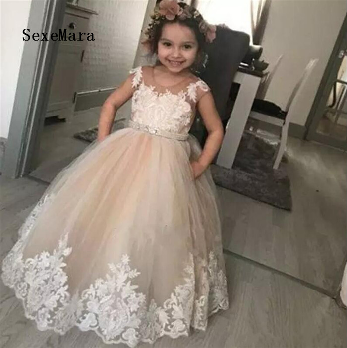 Champagne Ball Gown Flower Girls Dresses For Weddings Sheer Neck Appliques Tulle Girls Birthday Party Dresses Communion GownChampagne Ball Gown Flower Girls Dresses For Weddings Sheer Neck Appliques Tulle Girls Birthday Party Dresses Communion Gown