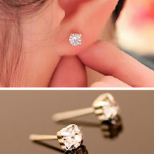 2019 New Fashion Exquisite Korean Trendy Crystal Stud Earrings Female Star  charm Jewelry Christmas gift Wholesale WD52