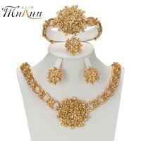MUKUN 2017 Afrikaanse Goud kleur Nigeriaanse Wedding Kralen Sieraden bloem Kristal type Saudi Sieraden Sets Armband Oorbel Ring