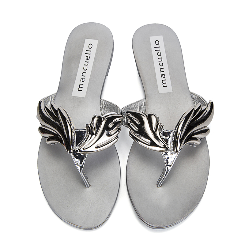 28ead0fba4aec7 mancuello New Arrival Own Fashion Women Leaf Wing Slippers Flip Flops Flat  Heel Sandals Nude Gold Silver Shoes Woman Slides-in Slippers from Shoes on  ...