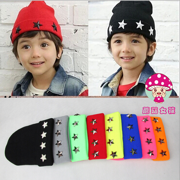 1pcs,Free shipping 2015 New autumn and winter tot star rivet wool hat boys and girls Ski cap knitting hat skullies beanies the new children s cubs hat qiu dong with cartoon animals knitting wool cap and pile