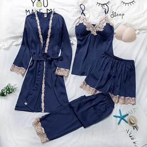 Image 3 - Vrouwen Pyjama 4 Pc & 5 Stuk Satijn Nachtkleding Pijama Zijde Thuis Kleding Borduren Slaap Lounge Pyjama Met Borst Pads pyjama Set
