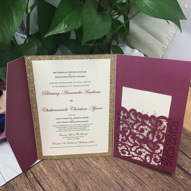 レーザー切断トライつ折り結婚式招待状カード高級burgendyワインレッドパール紙招待状パーソナライズ設計