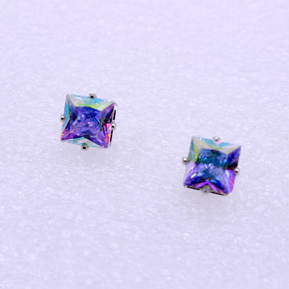 Clearance Sale Heart Shape Crystal Earrings Women Men Square Stud Earring Lovers Fashion Jewelry Bijoux Brincos Aretes de Mujer