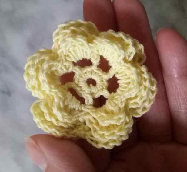 3D صغيرة زهرة يدوية الصنع القطن الكروشيه DIY التصحيح الحديد على بقع الخياطة زين شارات شريط ملصق الدانتيل جبر القماش ديكور