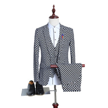 BOU The new 2017 qiu dong big yards of black and white grid quality flocking three-piece best man suit the groom dress suit