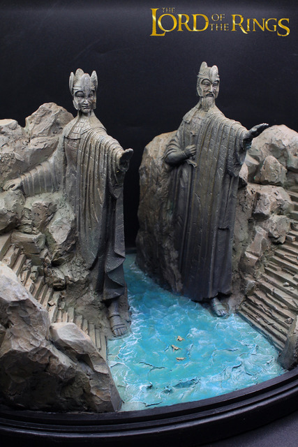 The Gates of Gondor Argonath Statue Scene