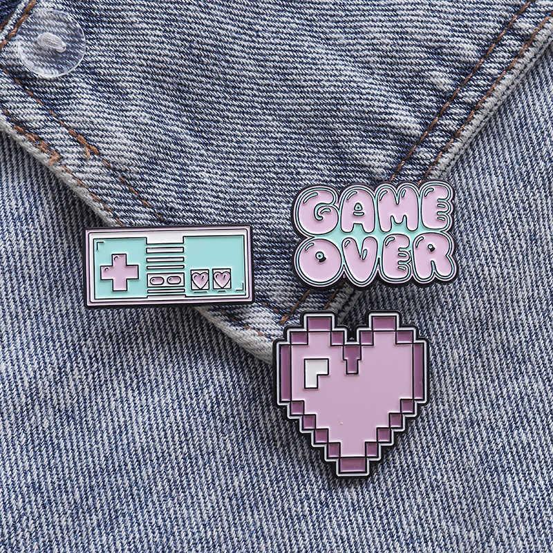 Ungu Pixel Enamel Koleksi Permainan Atas Jantung Bros Lencana Kerah Pin Lencana Jaket Denim Kerah Pin Hadiah untuk Teman-teman